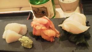 すごーく久しぶりのお寿司屋さん。貝の三点盛り。